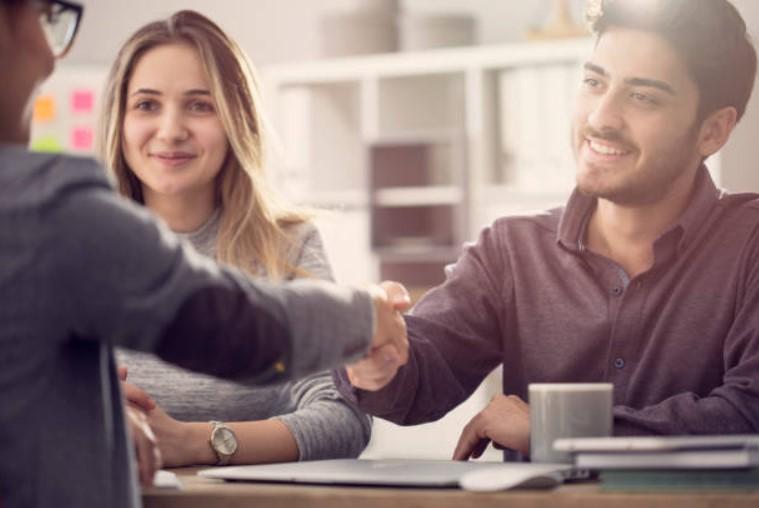 Como monitorar o relacionamento com o cliente